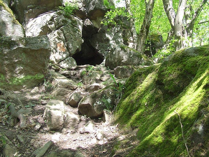 Vidróczki barlang bejárata